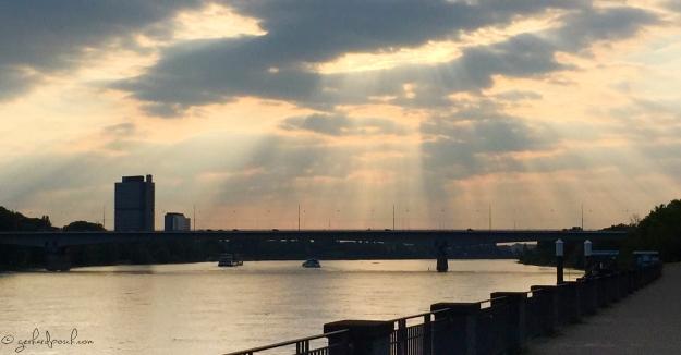 Sonnenstrahlen über Bonn