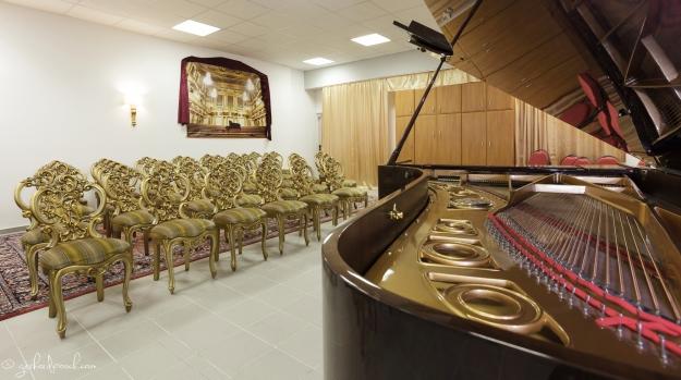 Piano mit Spiegelung